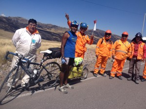 with some road workers on top of the pass at 4300 m, after Ayacucho