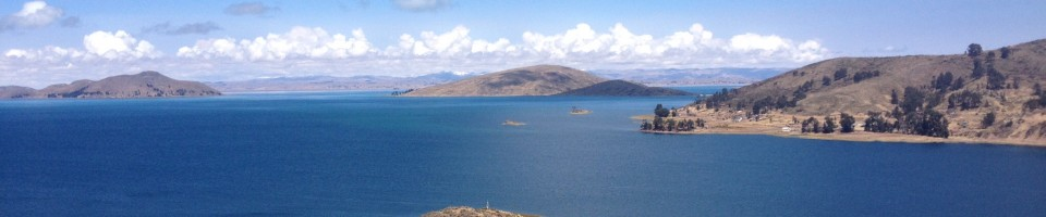 Some of the several islands in Lago Titicaca