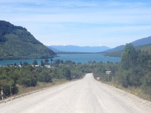 Gravel road to Puyuhuapi